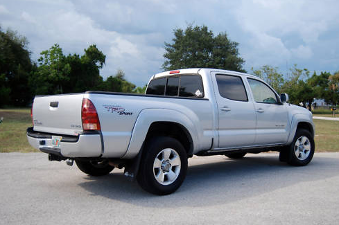 what is the difference between a toyota tacoma sr5 vs trd. Black Bedroom Furniture Sets. Home Design Ideas