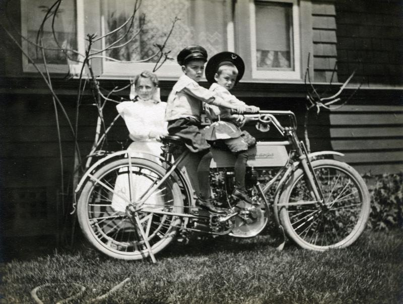 Name:  thumbnail_Norcross photos 3 children on motorcycle.jpg Views: 153 Size:  86.6 KB